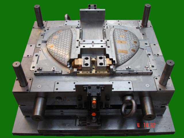 Automotive Injection Mold_1