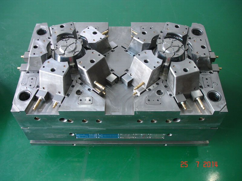 Injection Mold with 10 sliders_Lawn Mower_1
